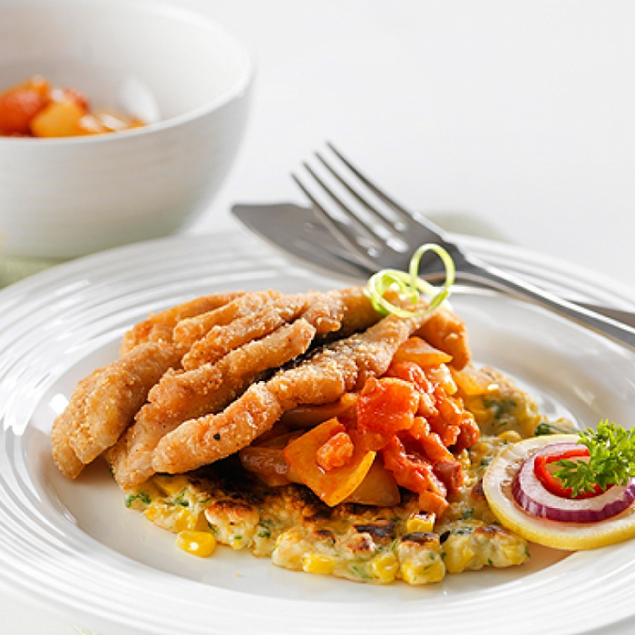 Prženi šaran s hrskavim povrćem i kukuruznom lepinjom