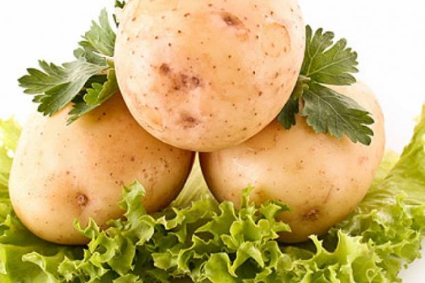 Здравословна картофена салата със зеленчуци и зехтин