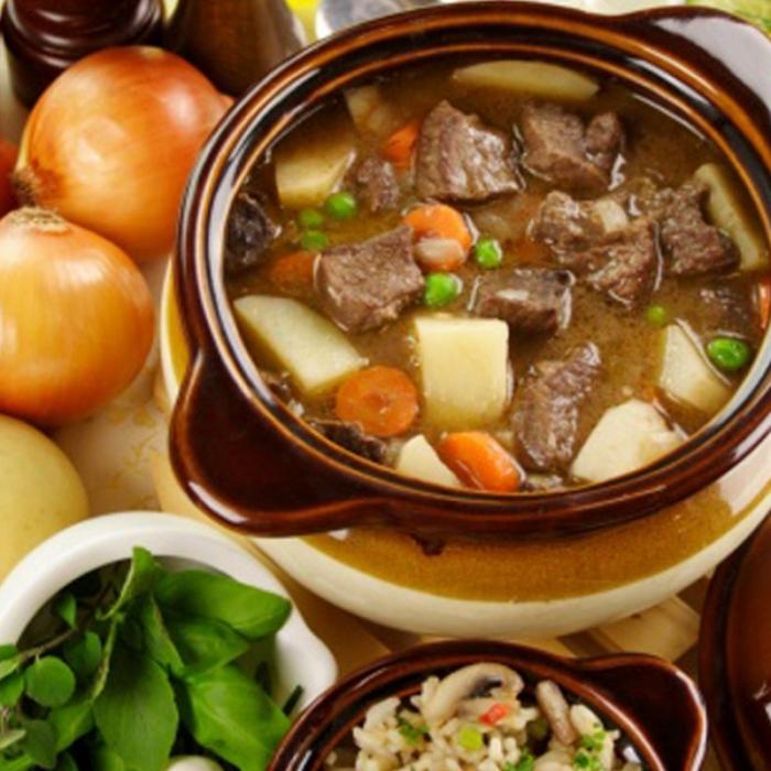 Айнтопф - немско ястие с месо и зеленчуци. С добавка вкусни гъби, моркови и картофи
