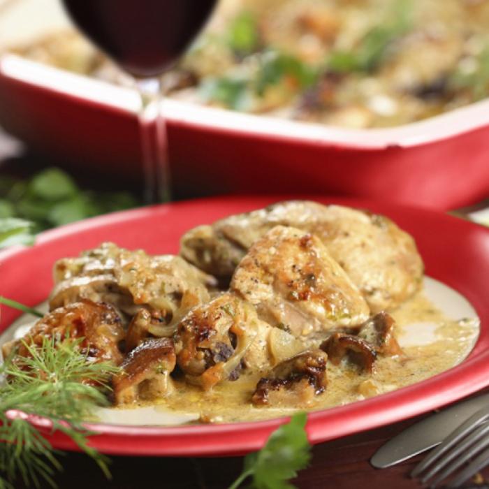 """Пилешка яхния """"Burgundi"""" с гъби"""