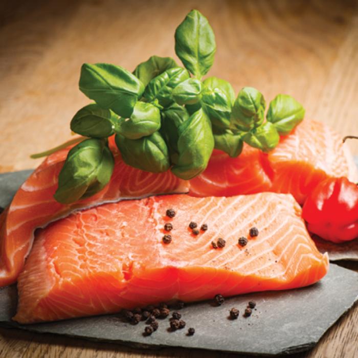 Marine salmon - здравословна маринована сьомга със салата от леща