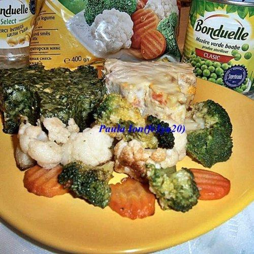Brăduți din spanac cu ciuperci și salată boeuf