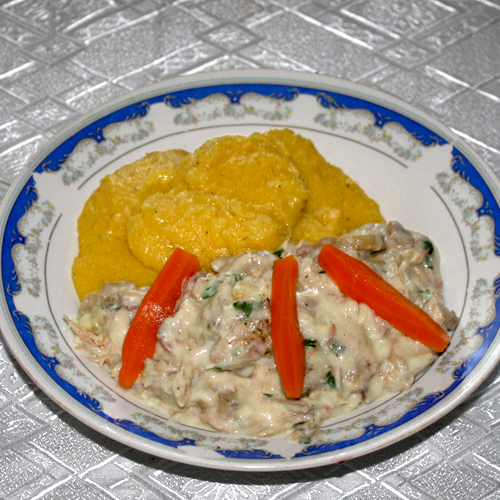 Ciuperci cu piept de curcan și mămăliguță