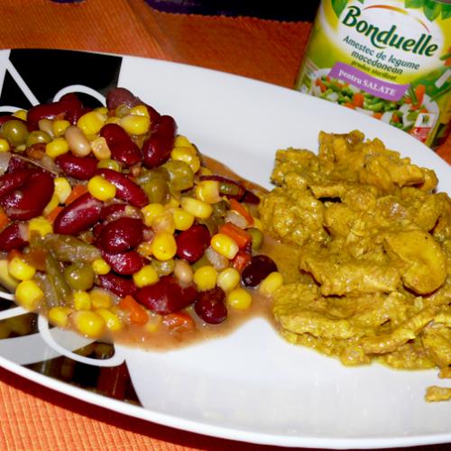 Curry de pui cu garnitură de legume