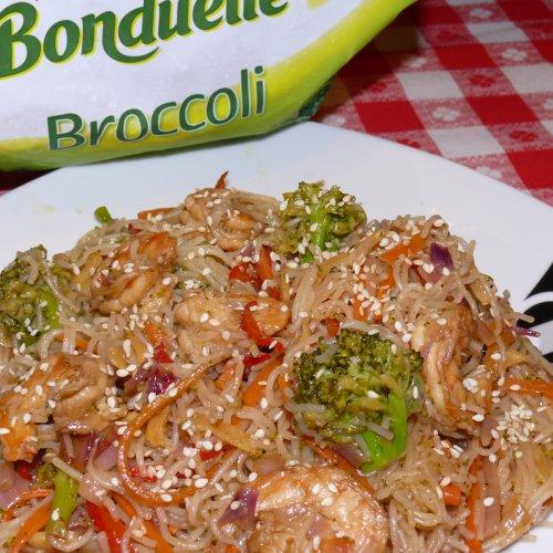Paste de orez cu legume și creveți