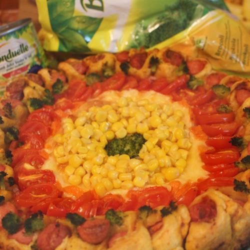 Pizza cu broccoli și porumb