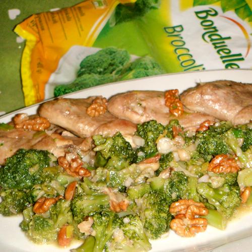 Pui cu broccoli și nuci