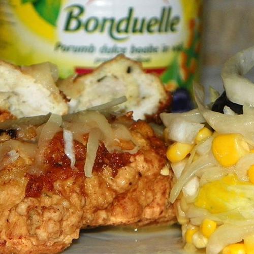 Rulouri din mușchi file cu salată de andive și porumb Bonduelle
