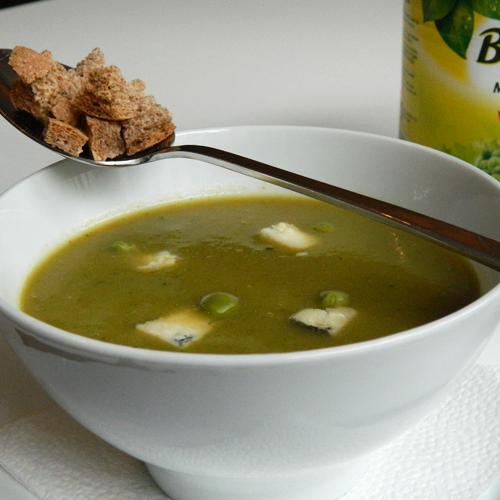 Supă cremă de mazăre cu gorgonzola
