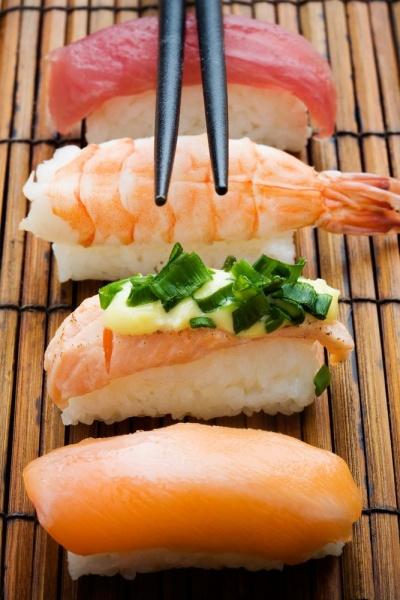 Разные виды суши