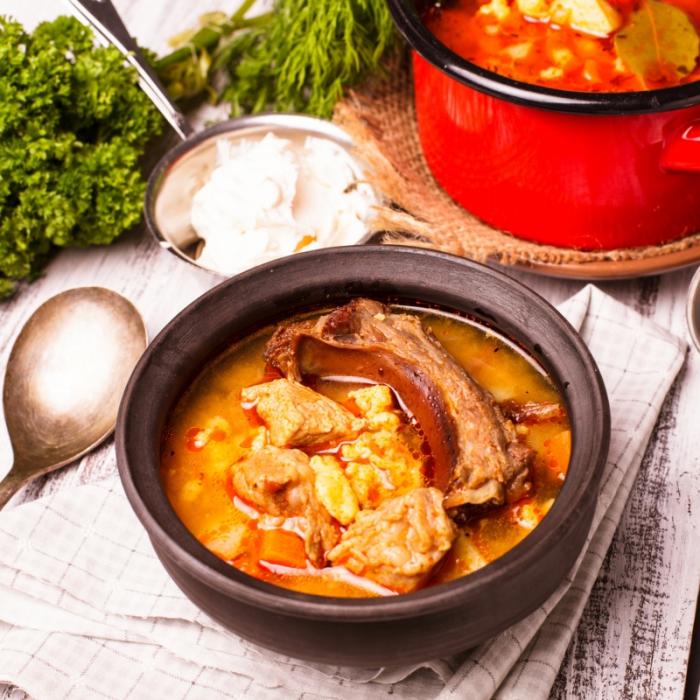 Бограч (суп-гуляш)