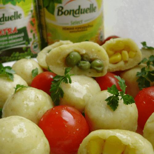 Ньокки по-украински с кукурузкой и горошком