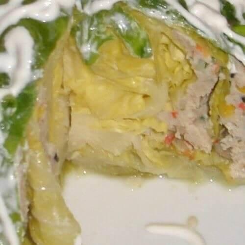 Молодая капуста с мясом и мексиканской смесью Бондюэль