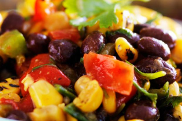 Червона квасоля, кукурудза і паприка: салат для справжніх гурманів