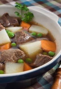 Густий суп айнтопф з м'ясом та горохом