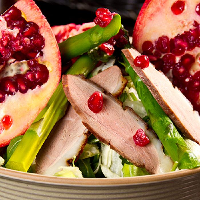 Салат із качиною грудиною й овочевим кус-кусом
